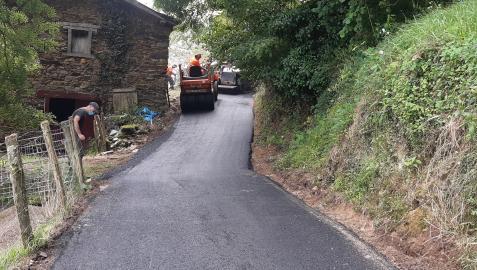 Trabajos de adecuación del camino de acceso al caserío Erramunto en el barrio Pekotxeta de Luzaide-Valcarlos