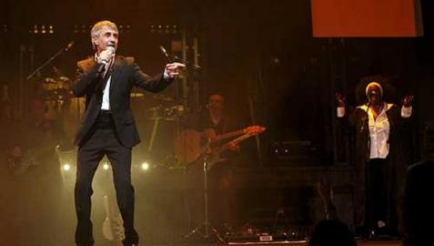 Sergio Dalma, durante un concierto