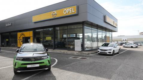 Instalaciones de Opel Asmovil en la avenida Aróstegui de Pamplona, que echará el cierre en junio de 2023