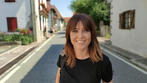 Imagen de la periodista Helena Resano durante la grabación del documental