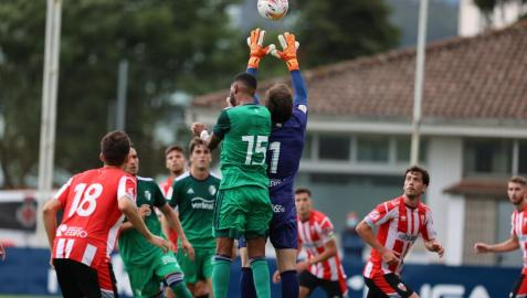 Imagen del partido amistoso entre Osasuna y Logroñés