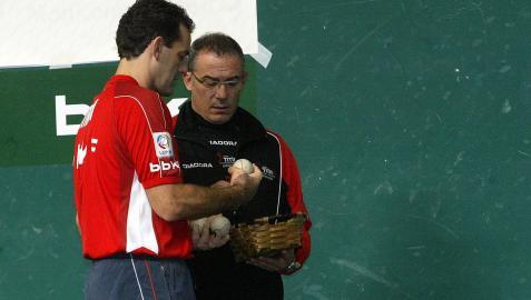 Joaquín Plaza puso en marcha la escuela de pelota Titín III
