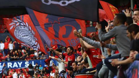 Aficionados en la grada en la que se sitúa Indar Gorri en un partido en El Sadar en marzo de 2019