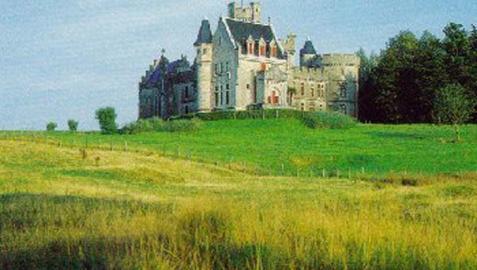 Vista exterior del castillo de Antoine D'Abbadie en Hendaya