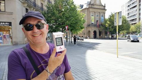 Alberto Pascual con el termómetro a 44º a las 16.15 h.  en Merindades