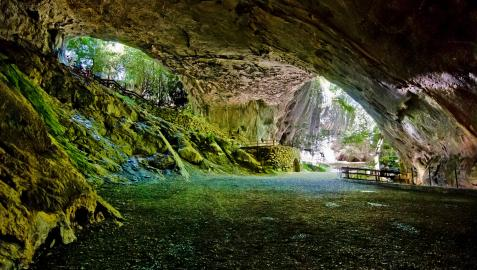La cueva de Zugarramurdi, lugar conocido por las historias y mitos sobre brujería