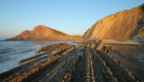 El flysch de Zumaia forma parte del Geoparque de la Costa Vasca