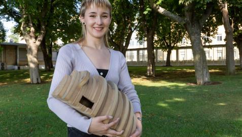 Aintzane Huarte, graduada en Diseño de la Universidad de Navarra
