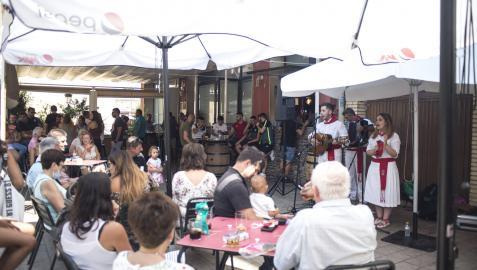 El vermú jotero de este pasado fin de semana en Marcilla fue muy bien acogido por la ciudadanía