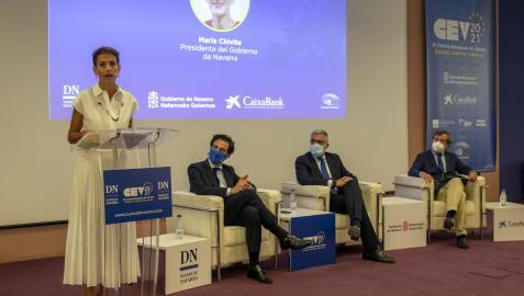 De izquierda a derecha, María Chivite, Pablo Zalba, Alfonso Sánchez, y Luis Colina en la sesión de clausura de los III Cursos Europeos de Verano