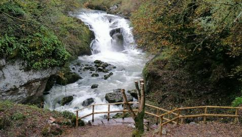 Cascada de Ixkier