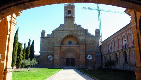Vista del Monasterio de la Oliva en Carcastillo. Fotografía de archivo