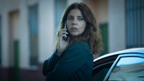 Maribel Verdú en una escena de Ana Tramel. El juego, que protagoniza junto con Unax Ugalde, Natalia Verbeke e Israel Elejalde