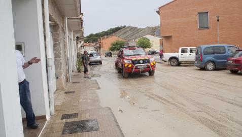 El barro anegó toda la calle Juan Irigaray de Caparroso