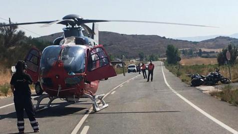 La Policía Foral investiga las causas del choque de una moto y un turismo en Aibar