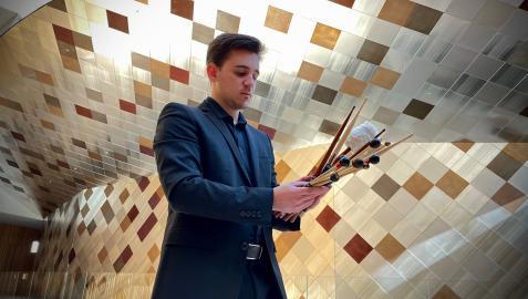 El pamplonés Dámaso Escauriaza Martínez-Peñuela trabajará como solista de percusión en la Orquesta Sinfónica de Amberes.