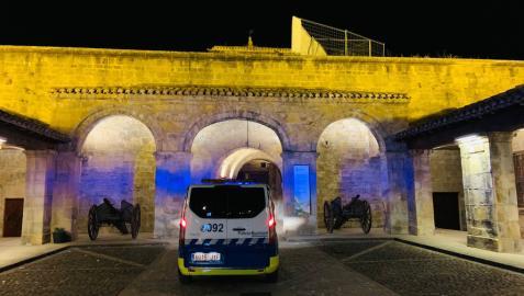 Patrulla de la Policía Municipal de Pamplona en la Ciudadela
