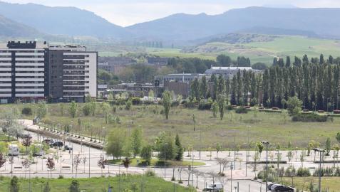 Solar de Erripagaña donde se construirán 471 viviendas y un E.Leclerc
