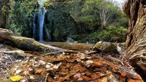 Imagen de la cascada de Putzu Beltz, en el término municipal de Arantza