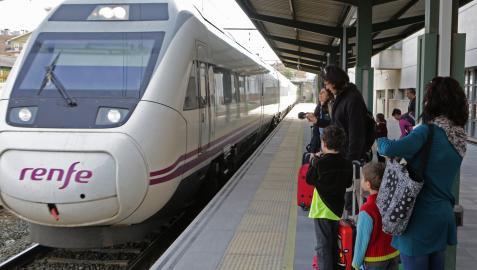 Los maquinistas alertan de que la falta de relevo en la plantilla dificulta recuperar el número de trenes que había