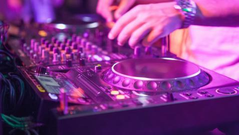 Por el momento la música solamente se podrá escuchar, pero no bailar