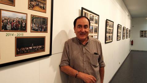 Salvador Gutiérrez Alcántara, presidente de Bilaketa, en la exposición de fotos de los últimos 45 años
