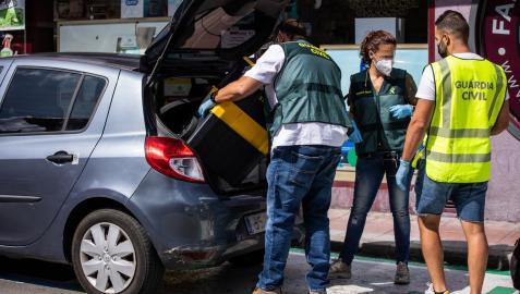 La Guardia Civil recoge pruebas de los dos apuñalamientos de Noelia de Mingo en El Molar
