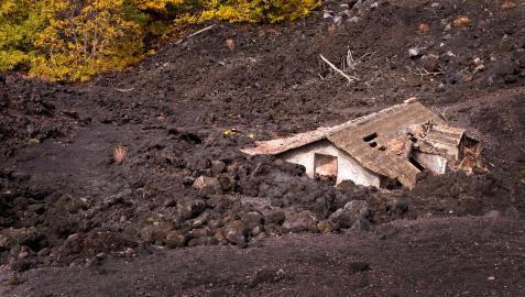 Destrozos volcán