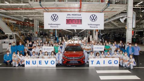 Imagen del primer Taigo fabricado en la planta navarra de VW, en Landaben