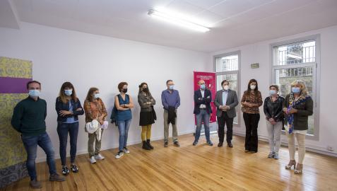 Miembros de la corporación del Ayuntamiento de Pamplona han visitado el nuevo espacio del programa COworkids y la Casa de las Mujeres