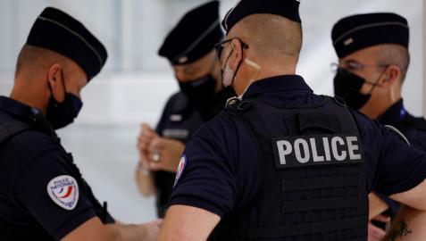 Varios agentes de la policía francesa