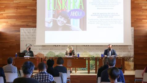 Acto de apertura del curso de aprendizaje en euskera