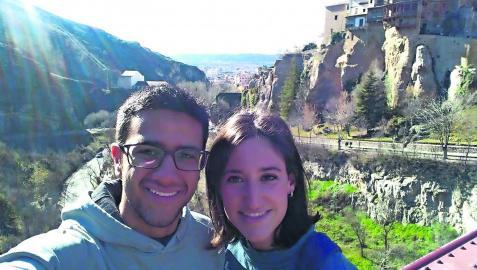Juan Franco Hiraldo y Paula Arizcun Zúñiga, de 27 años, se conocieron en 2017 en una misión en Ceuta