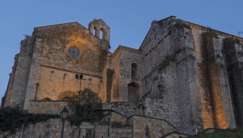 Escalinata de acceso al antiguo convento dominico, hoy residencia de Santo Domingo de Estella