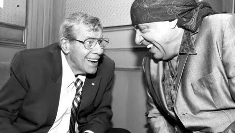 El actor Jerry Lewis (i) y el músico Stevie Van Zandt (d) en una foto de archivo en el Friars Club en 2014