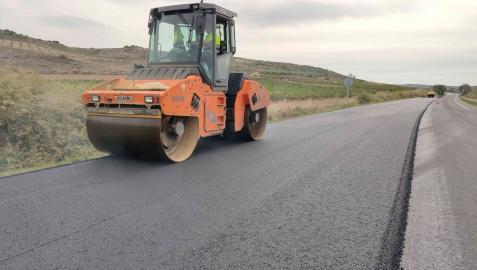 Trabajos de refuerzo de firme realizados en la carretera NA-134, Eje del Ebro, entre Lodosa y Mendavia