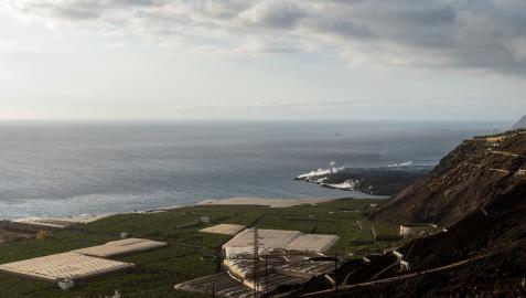 Fajana o delta que han creado las coladas de lava del volcán de La Palma al llegar al mar