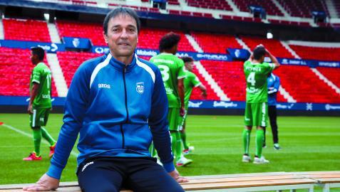 El entrenador Imanol Arregui, ayer en la presentación del equipo en El Sadar