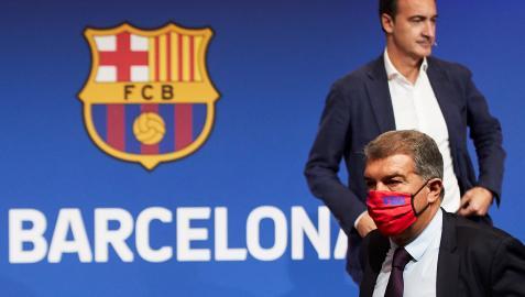 El director general del FC Barcelona, Ferran Reverter y el presidente de la entidad, Joan Laporta, durante la presentación de los resultados de la auditoría al club