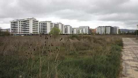 Terrenos donde se proyectan viviendas, dotaciones y comercios.