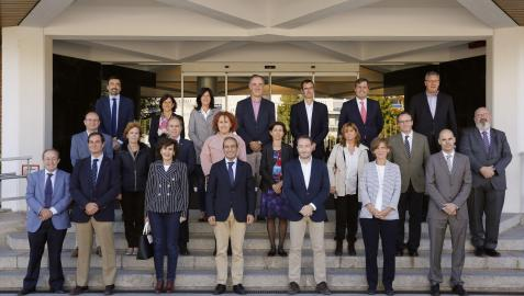 Representantes de la Universidad Pública han visitado los fondos del Museo de Ciencias