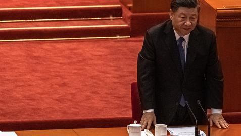 El presidente chino Xi Jinping participa durante la conmemoración del 100 aniversario de la Revolución Xinhai