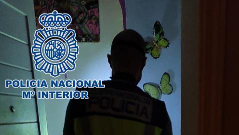 La Policía Nacional investiga los hechos  CEDIDO POR LA POLICÍA NACIONAL  08/10/2021 Agente de la Policía Nacional
