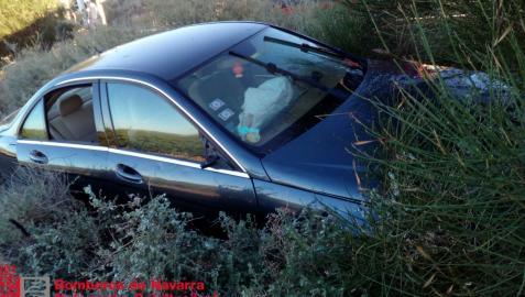 El vehículo que ha sufrido la salida de vía