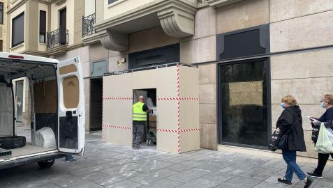 El local de la avenida Carlos III número 25, en obras para la tienda de Snipes