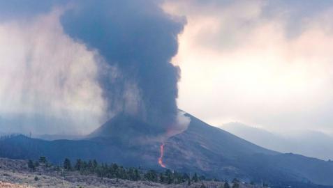 Vista general de la colada de lava este domingo