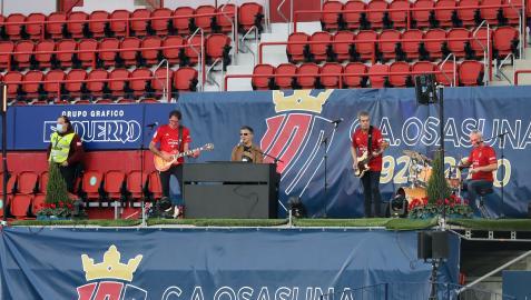 Serafín Zubiri presentó el himno del Centenario el pasado 24 de octubre en un estadio sin público