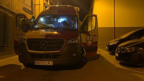 La ambulancia del Samur, en el lugar donde se localizó al fallecido