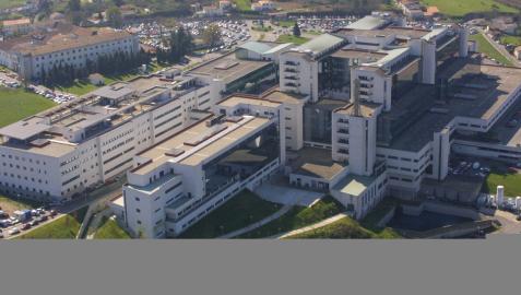 Imagen del Hospital Clínico de Santiago de Compostela, a donde fueron trasladados los heridos