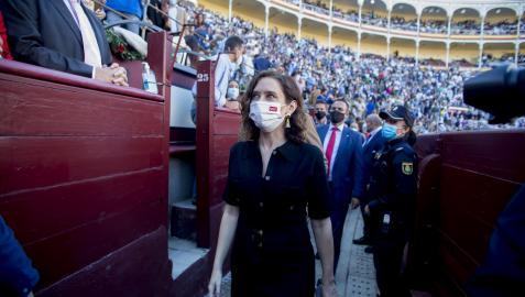 Isabel Díaz Ayuso durante la corrida de toros en Las Ventas, este martes 12 de octubre